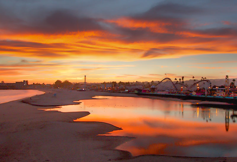 Beautiful sunset over the Santa Cruz Main Beach and Boardwalk